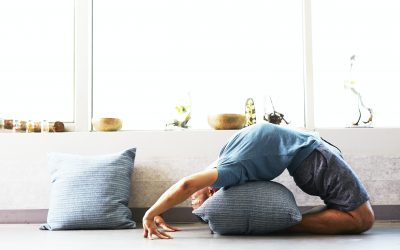 How to Practice Yoga at Home: a 10-Step Guide